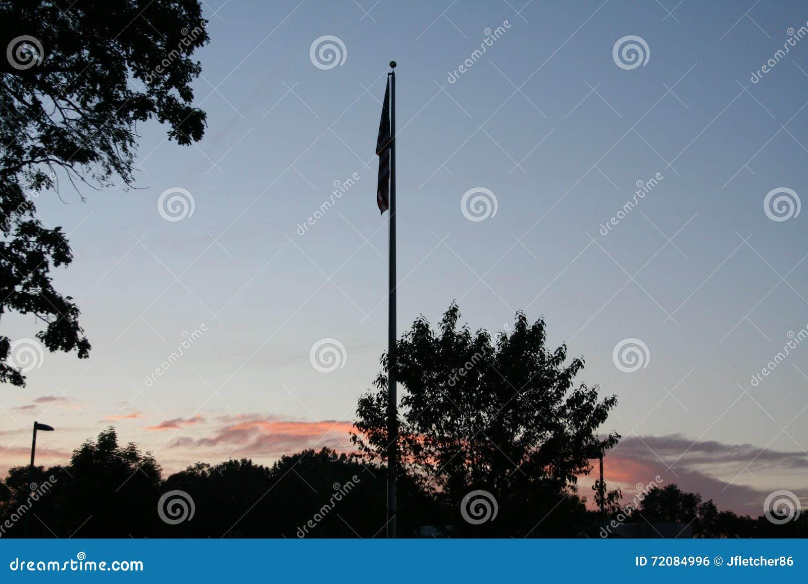 Flagpole podczas zmierzchu