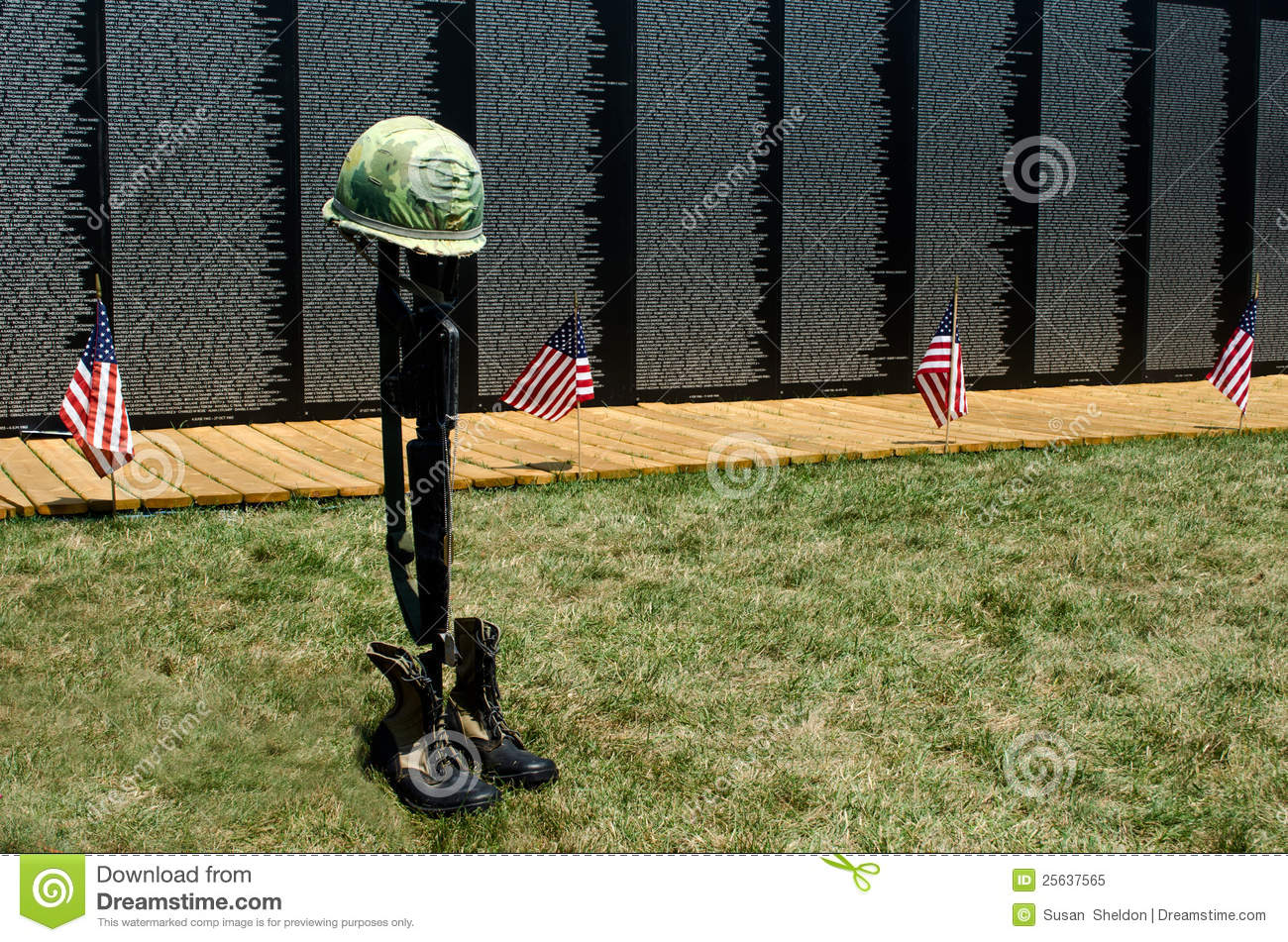 Flags And Fallen Soldier Symbol At The Wall Editorial Image Image