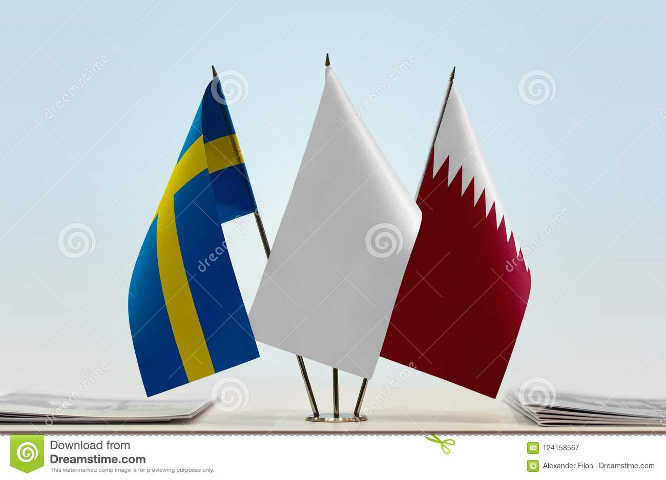 Flags of Sweden and Qatar