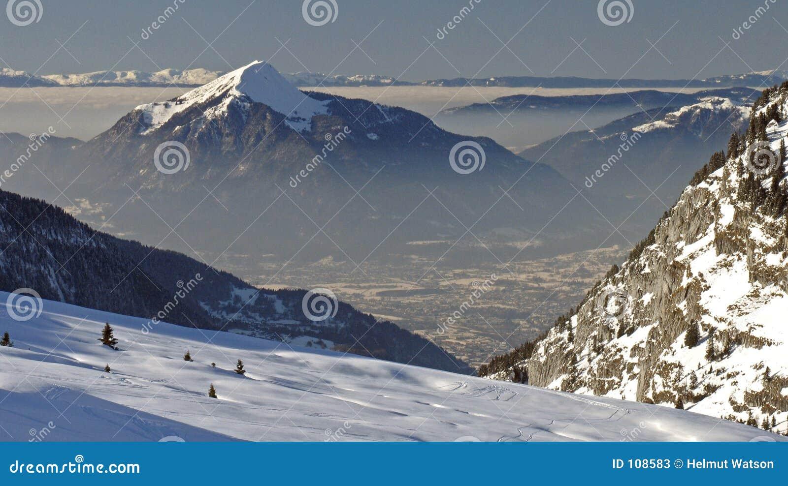 Flaine - snowy peak