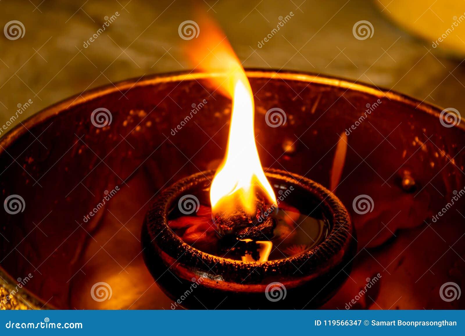 Flame oil lamp