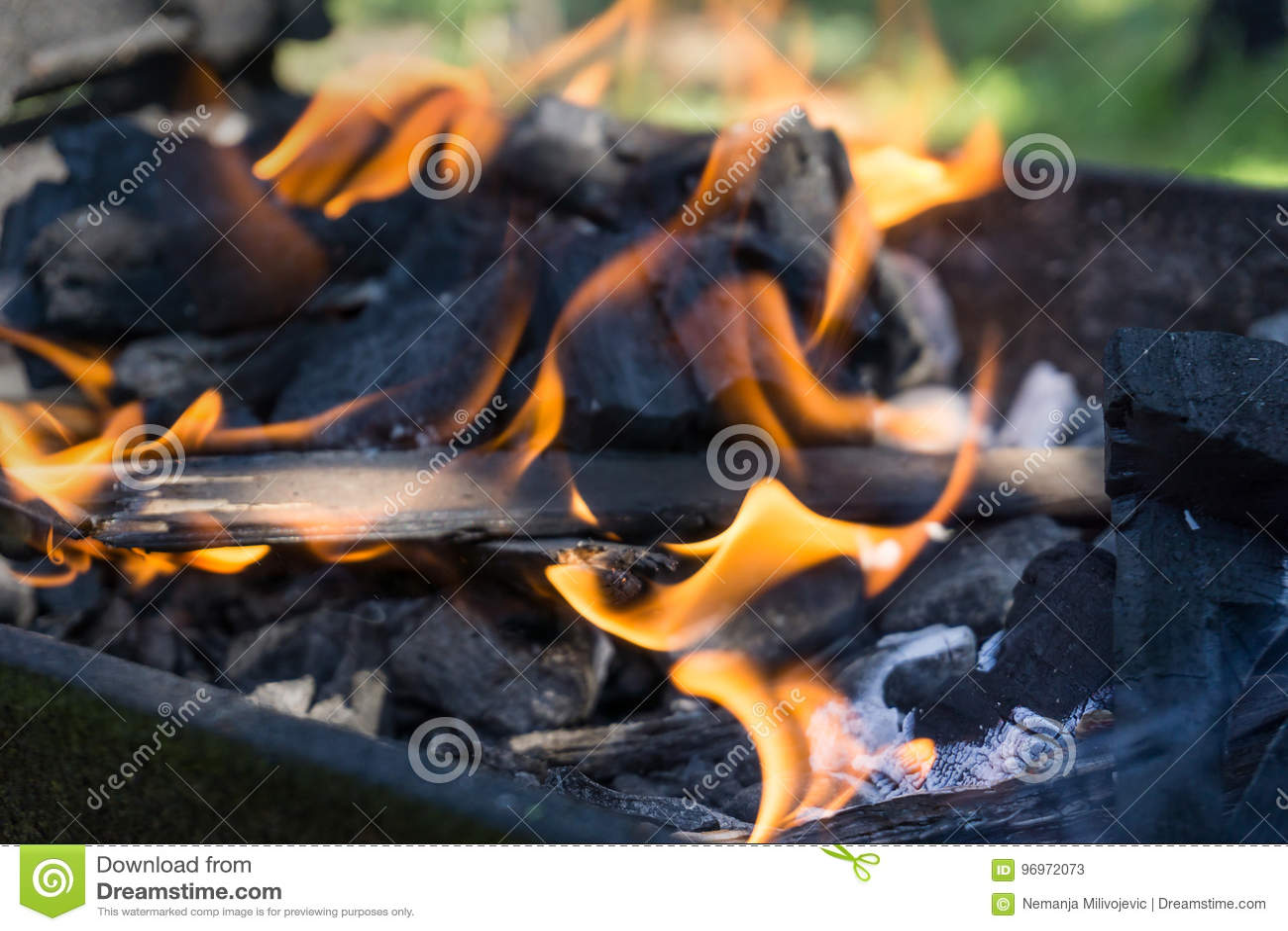 Flamma från kol