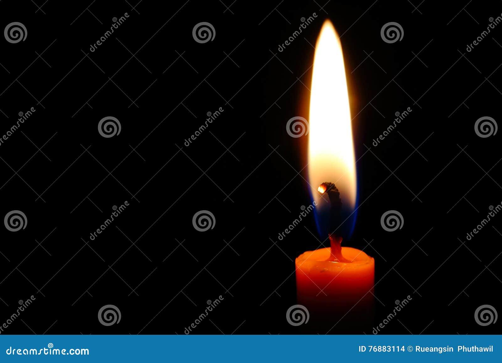 flamme de bougie photo stock image du orange lueur 76883114. Black Bedroom Furniture Sets. Home Design Ideas