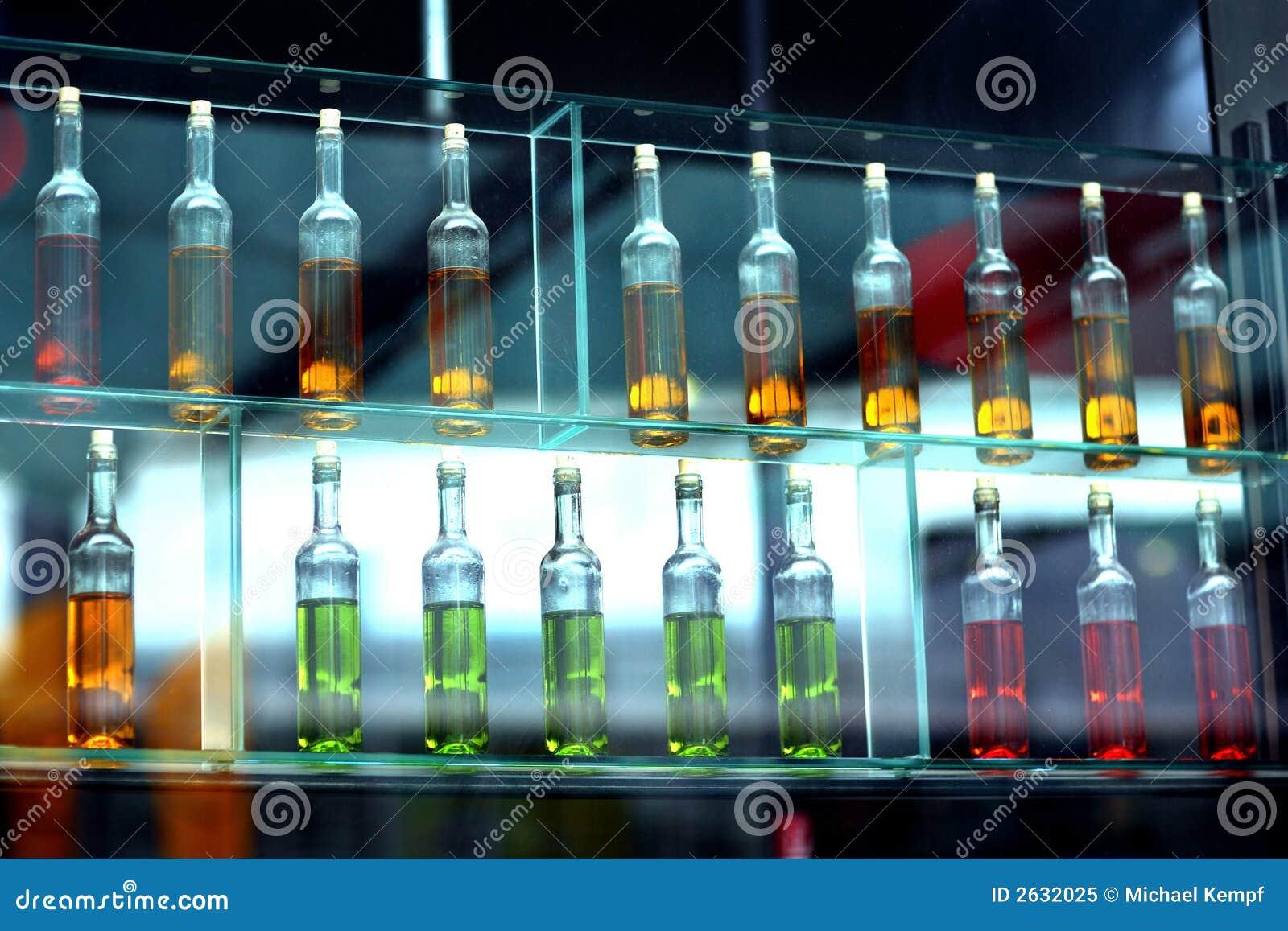 Flasche stockbild. Bild von getränk, modern, farbe, glas - 2632025