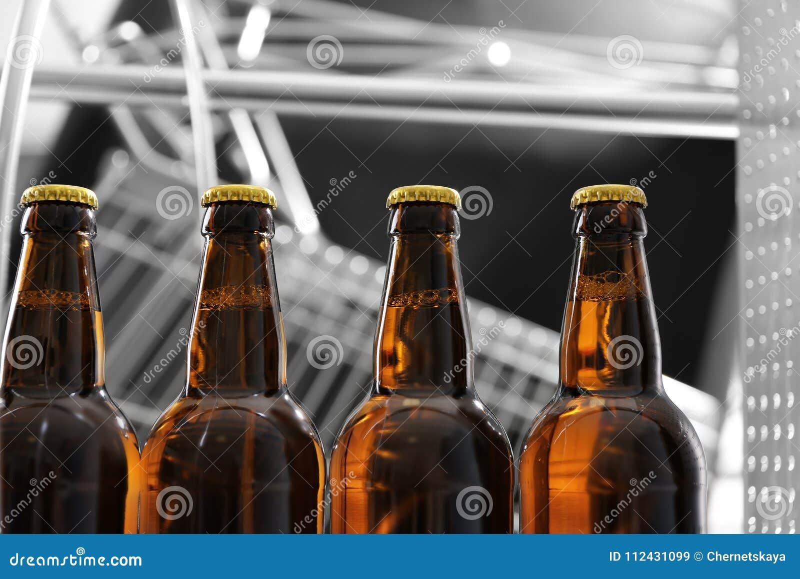Flaschen Bier in der Brauerei