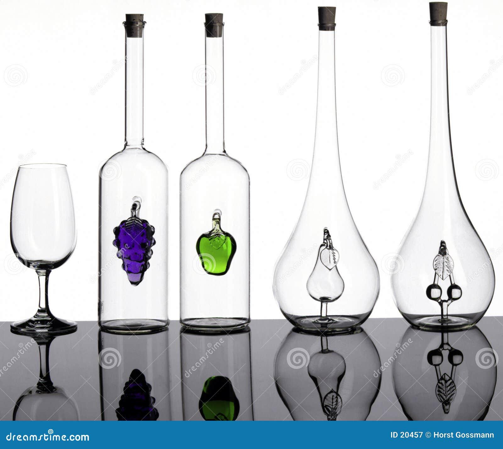 Flaschen und Glas