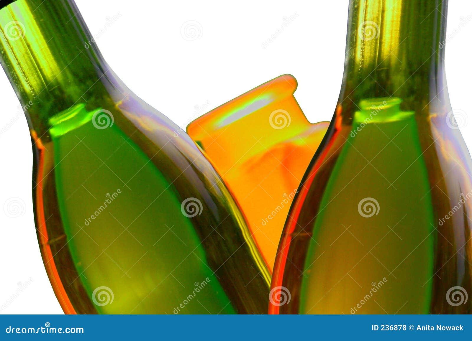 Flaskor isolerade reflexionswine