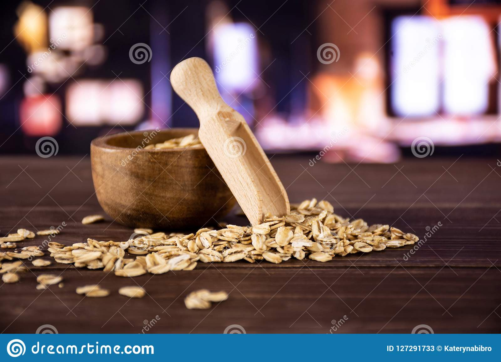 Flat raw rolled oats with restaurant