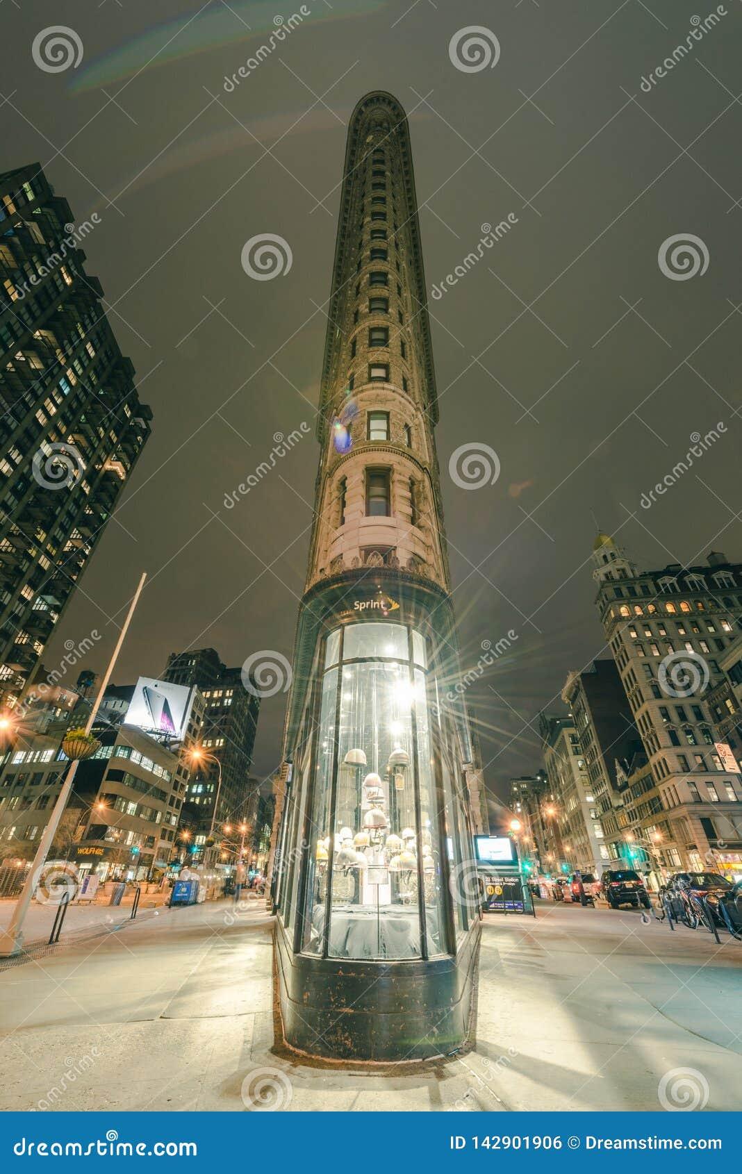 Flatiron大厦在晚上
