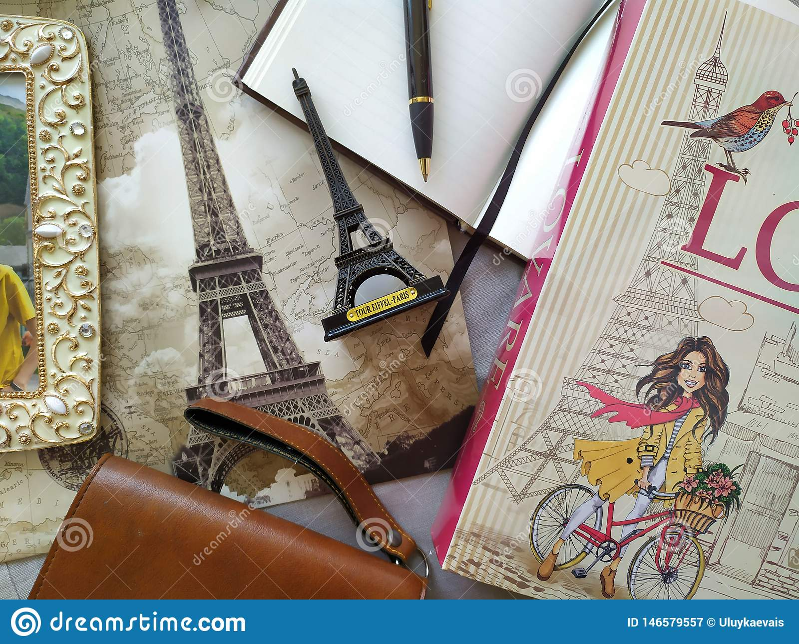 Flatlay dla kochanków Parise