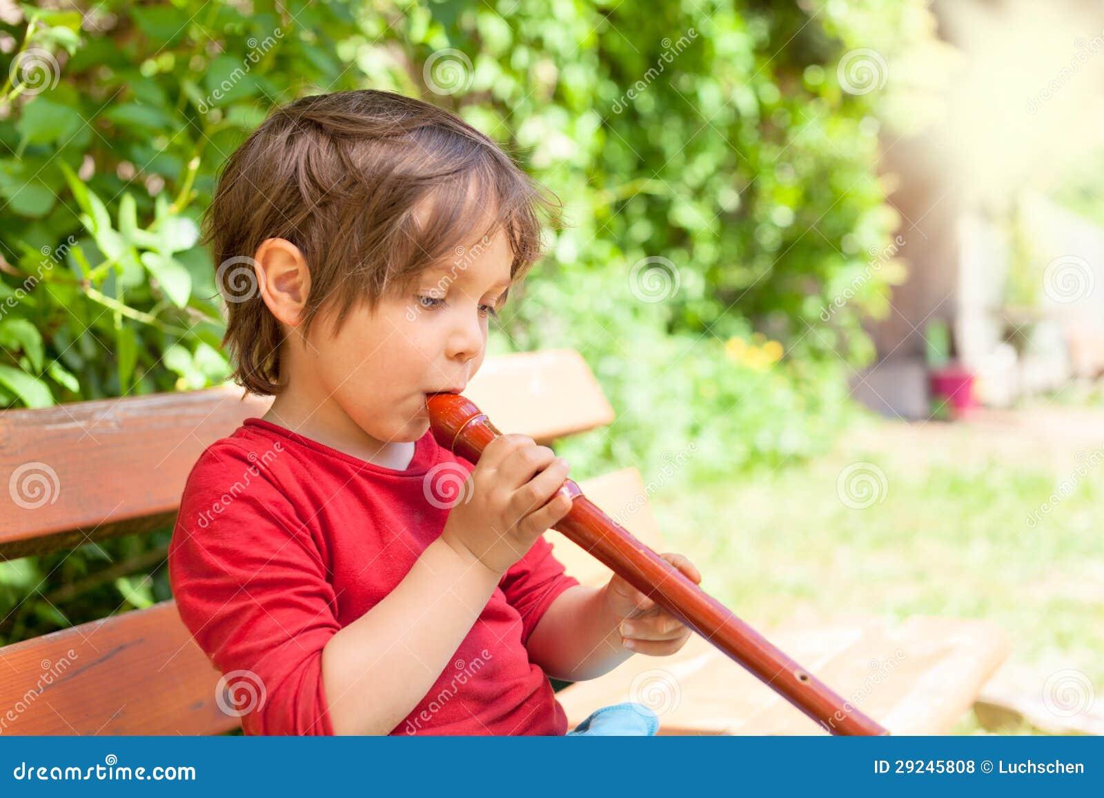Download Flauta de madeira foto de stock. Imagem de família, flauta - 29245808
