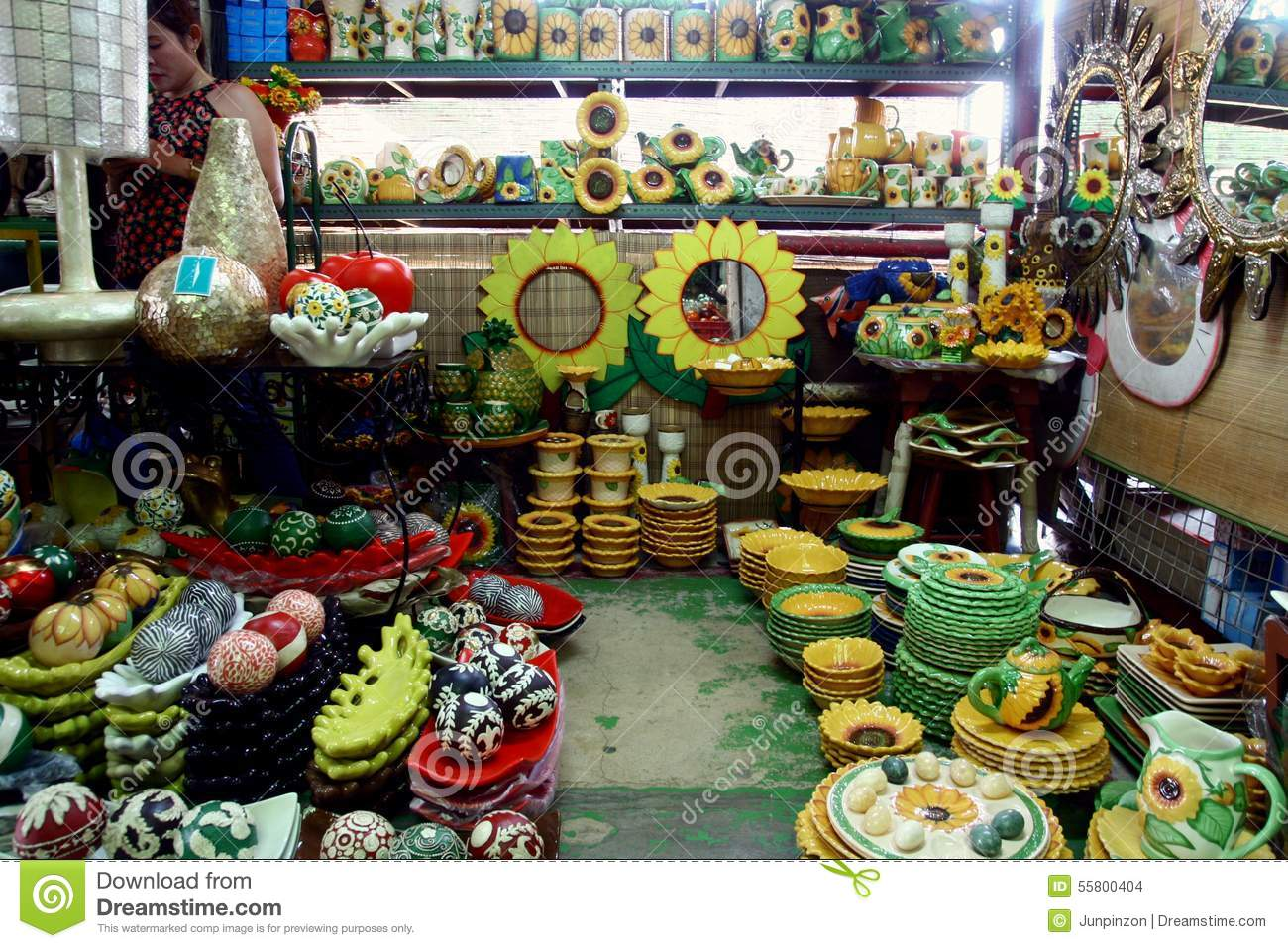Flea market stores in dapitan arcade in manila for Home decorations sale