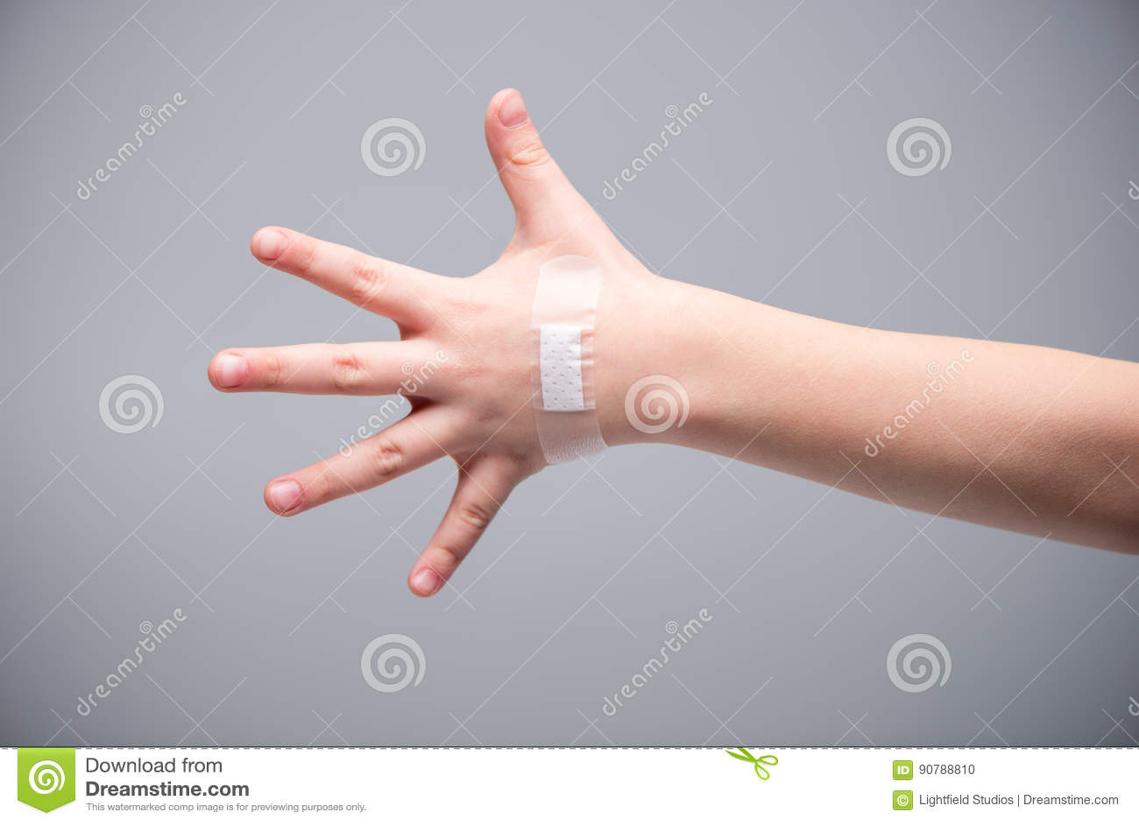 Der hand auf flecken Hautkrankheiten erkennen