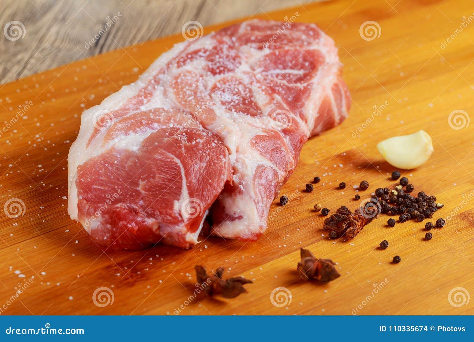 Fleisch Rindfleisch, Kalbfleisch Frisches rohes zartes Lendenstück, Stück ohne Knochen Für das Braten des grillenden Grills Schne
