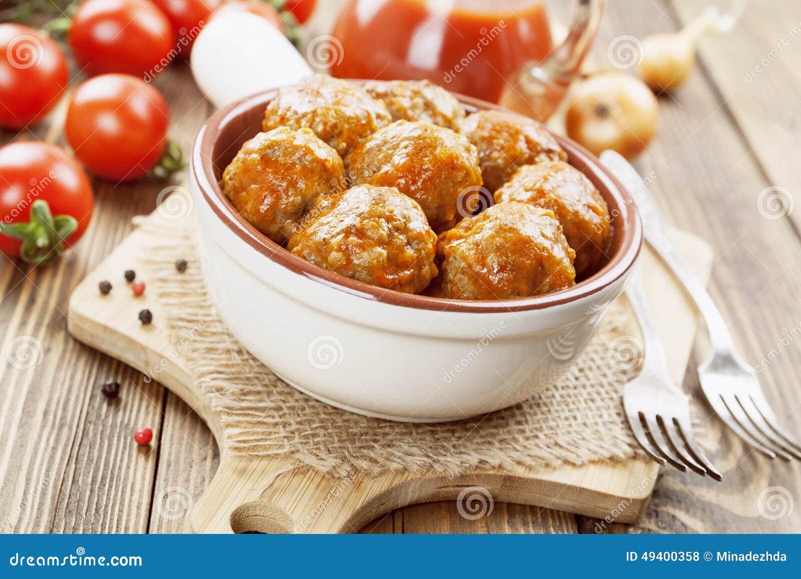 Download Fleischklöschen stockfoto. Bild von essen, fleischklöschen - 49400358
