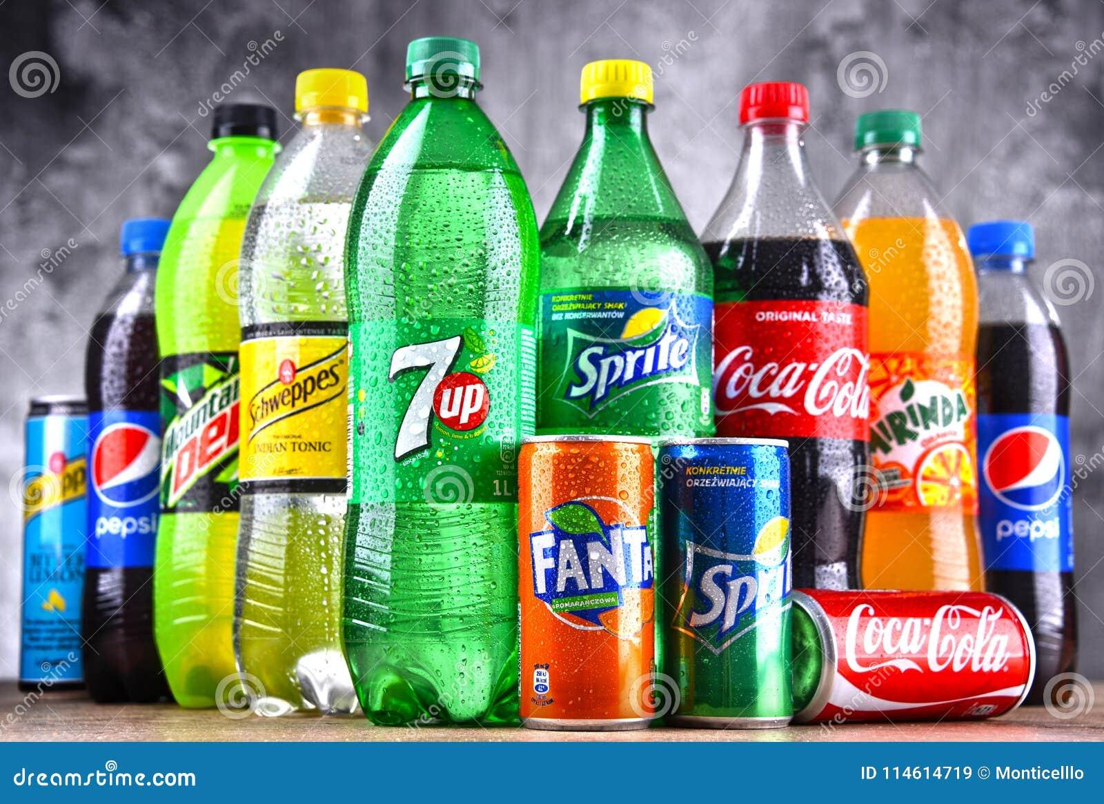 Flessen van globale frisdrankenmerken