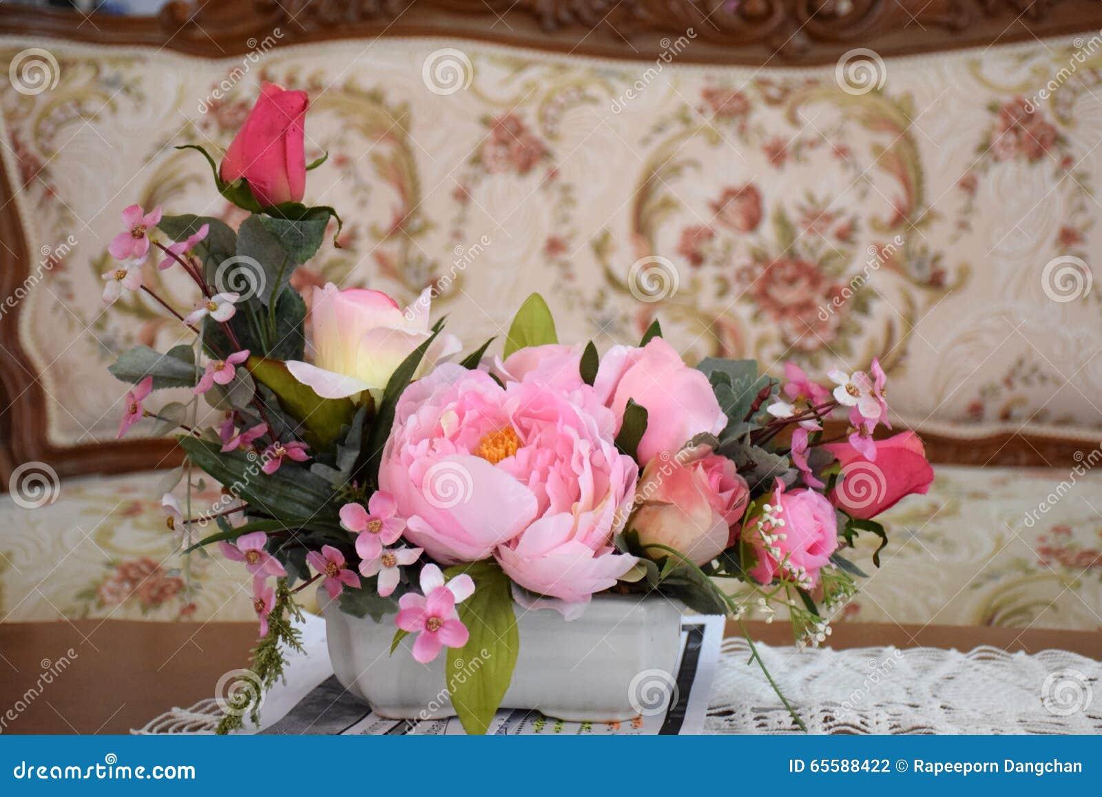 Fleur Coloree De Rose Dans Le Lieu De Reunion Photo Stock Image Du