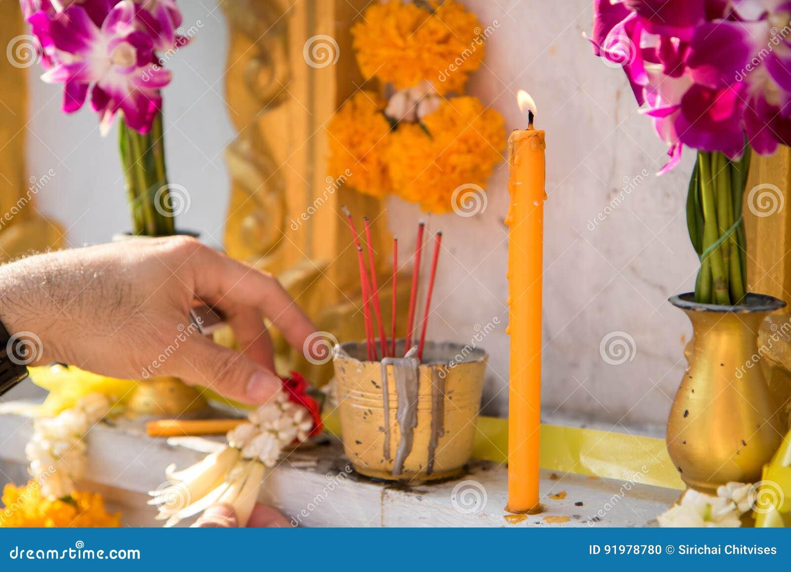 Fleur Encens Bougie Pour L Homme Mort Dans La Culture De