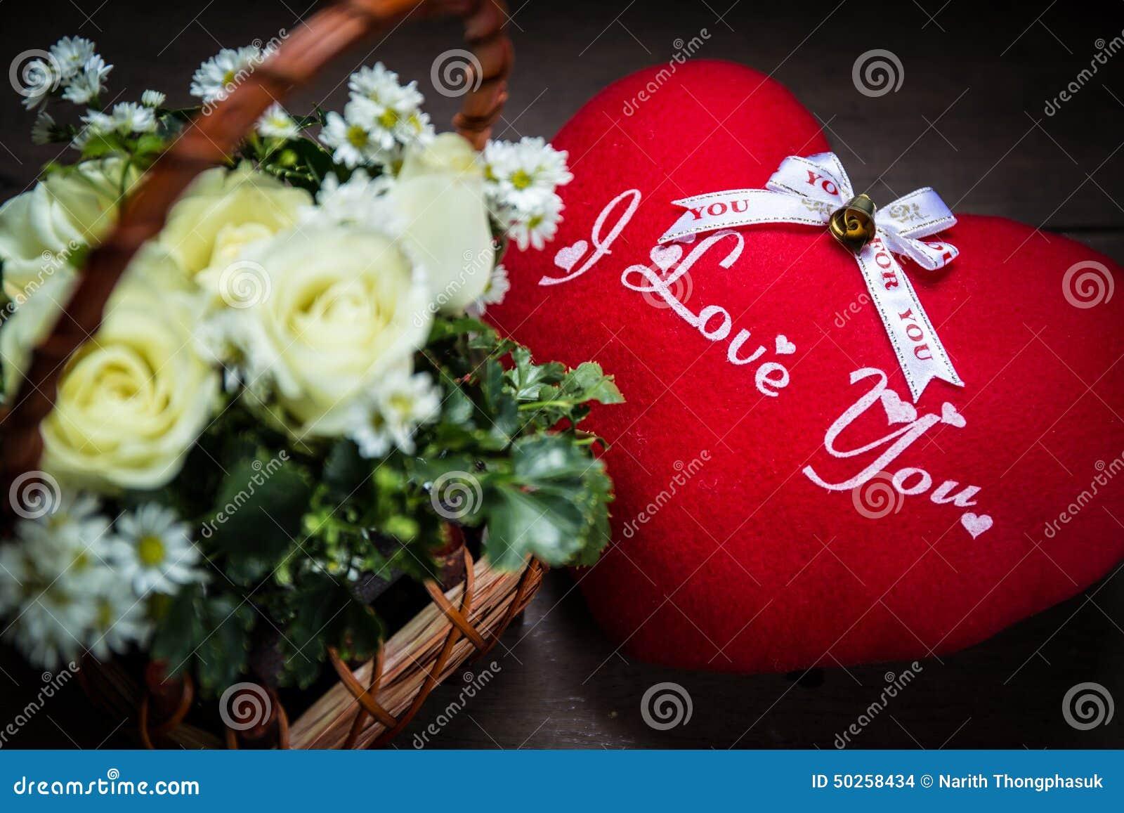 Bouquet De Fleur Rose En Coeur