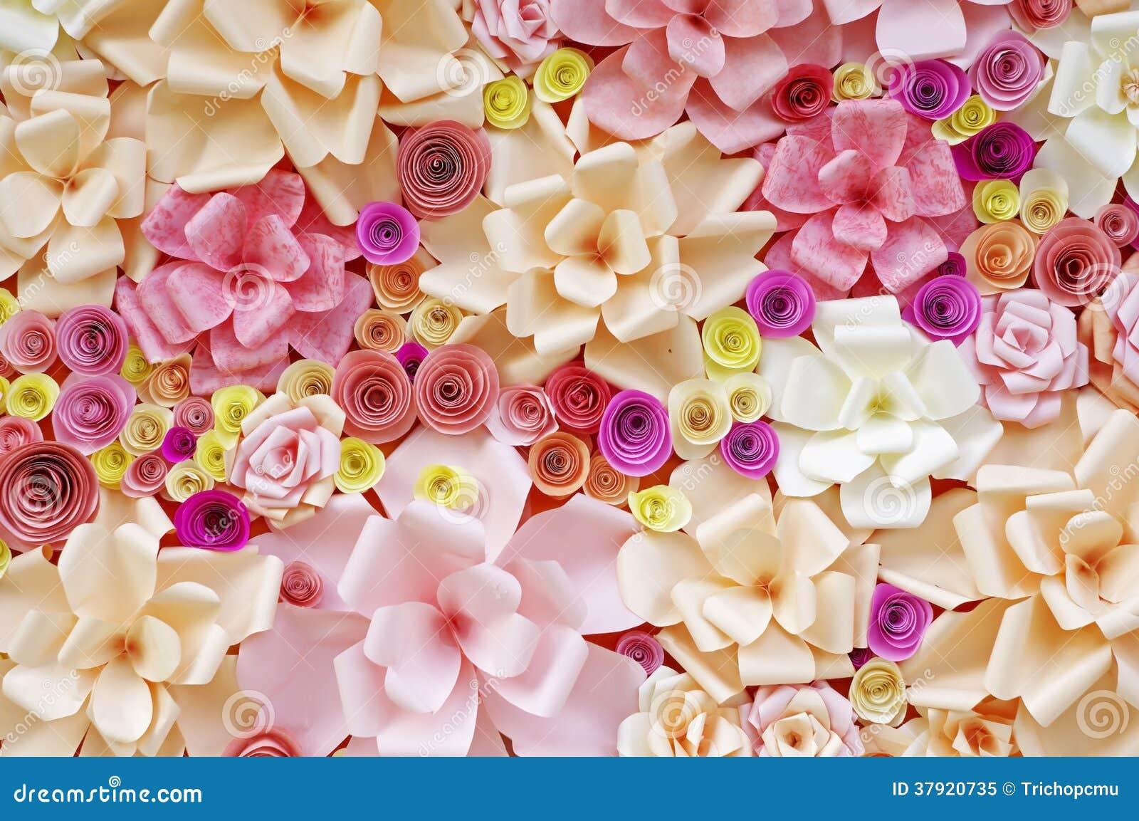 Fleurs artificielles faites de papier