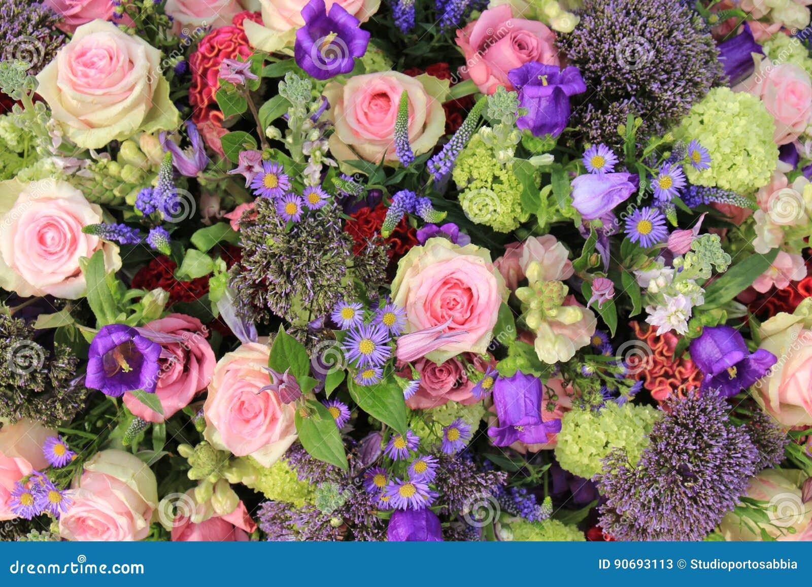 Fleurs Bleues Et Roses De Mariage Image Stock Image Du