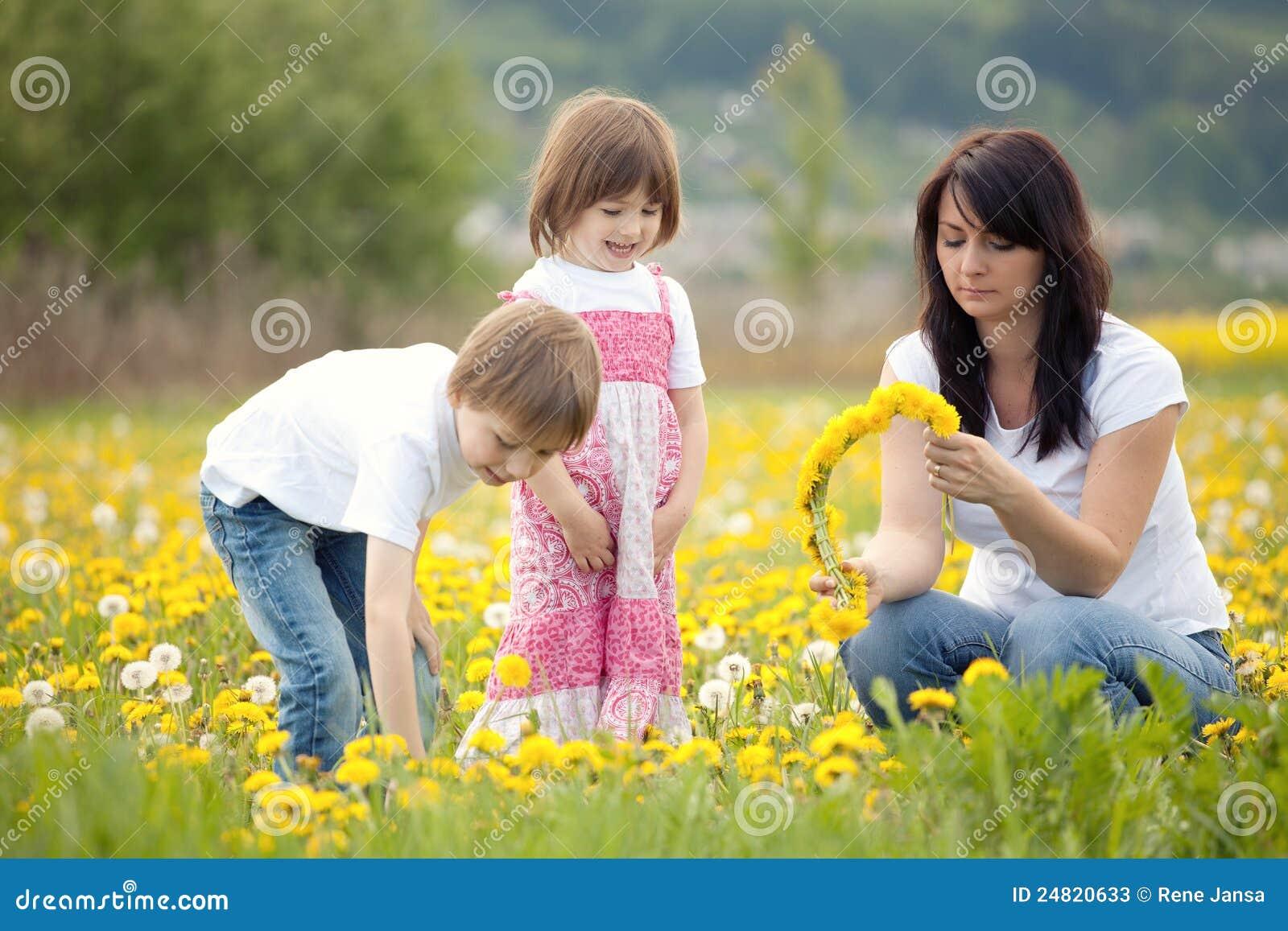 Fleurs de cueillette de famille
