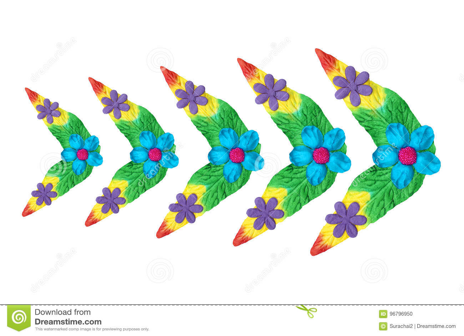 Fleurs faites de papier coloré utilisé pour la décoration