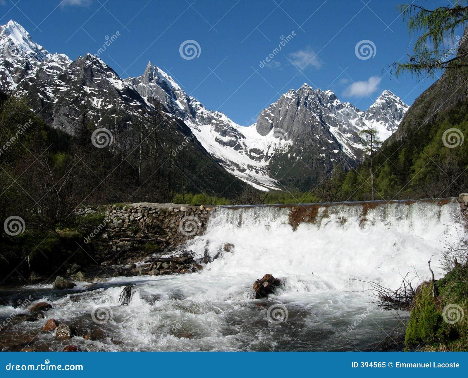 Fleuve de montagne
