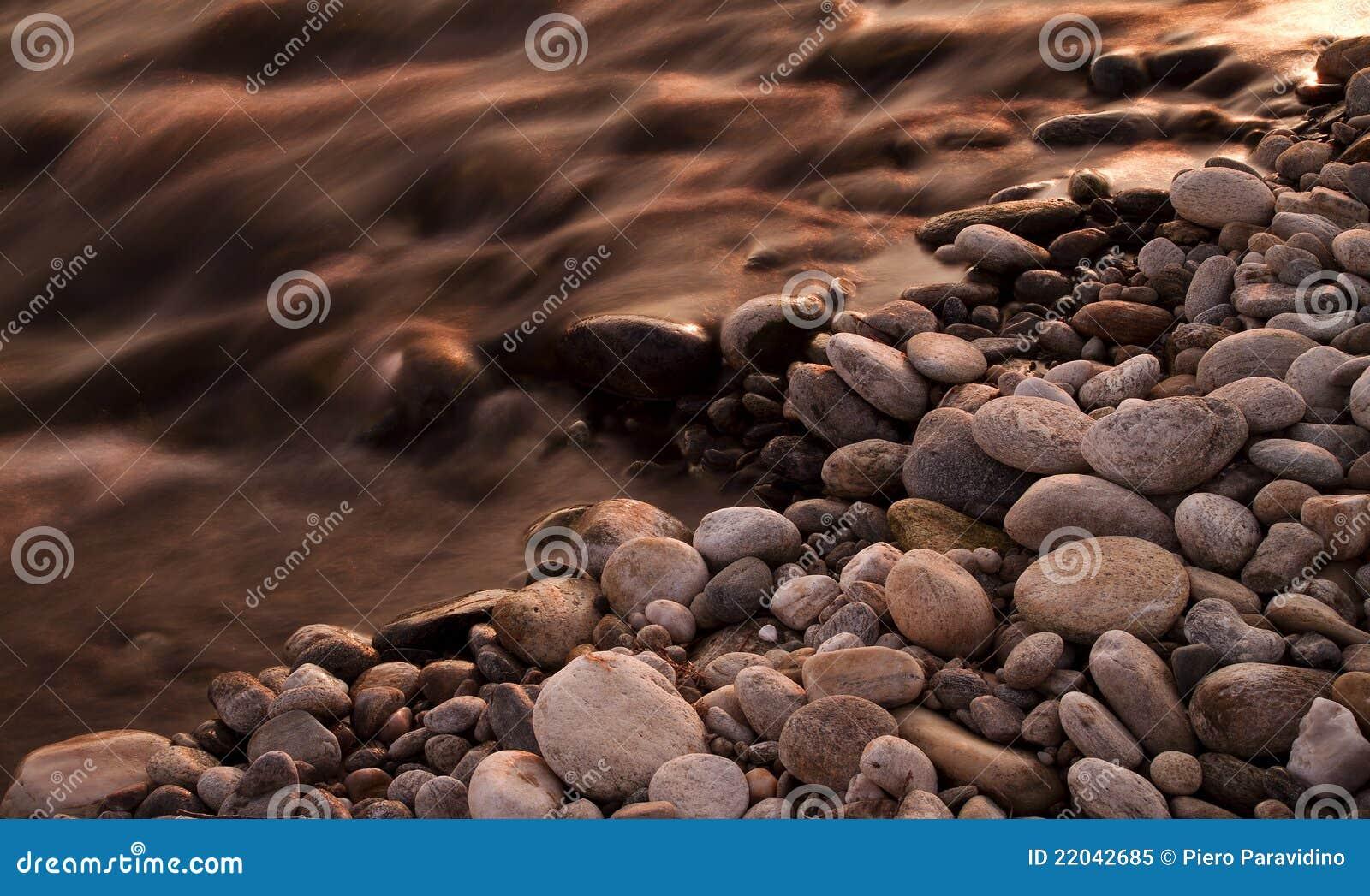Fleuve et roches