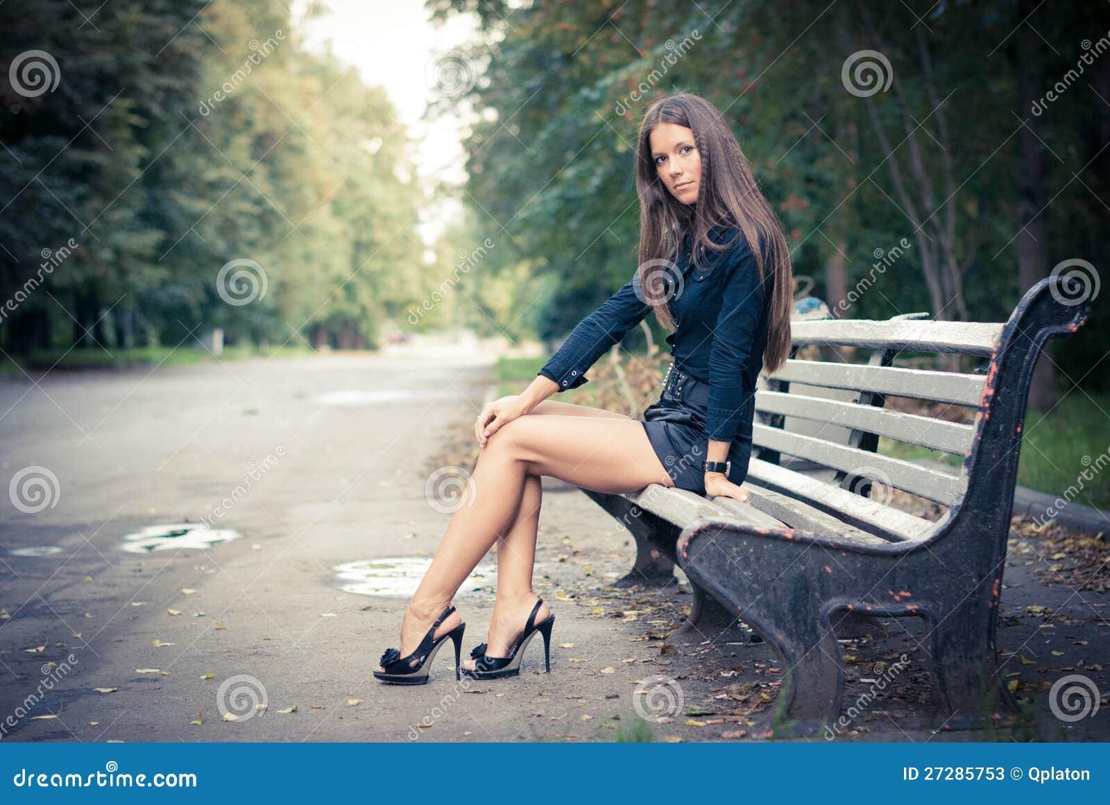 Flicka i park