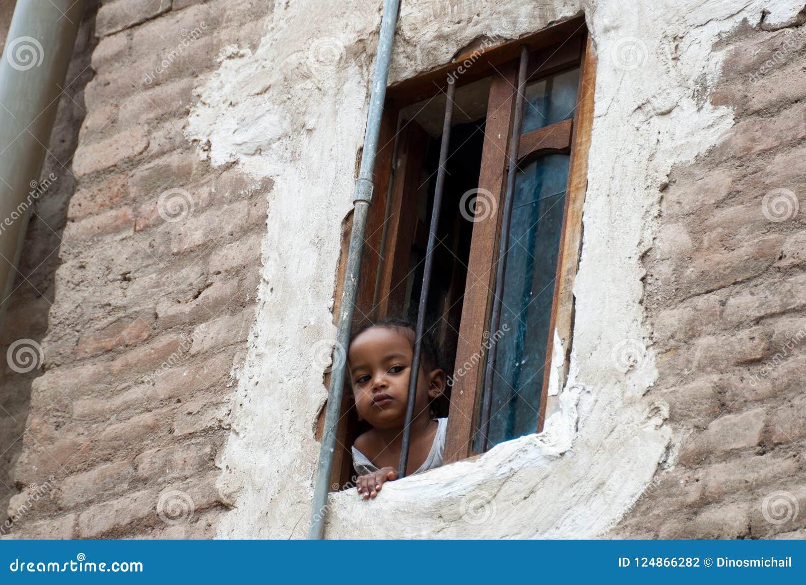 a32c764f1b63 Flicka i Yemen redaktionell arkivbild. Bild av orientaliskt - 124866282