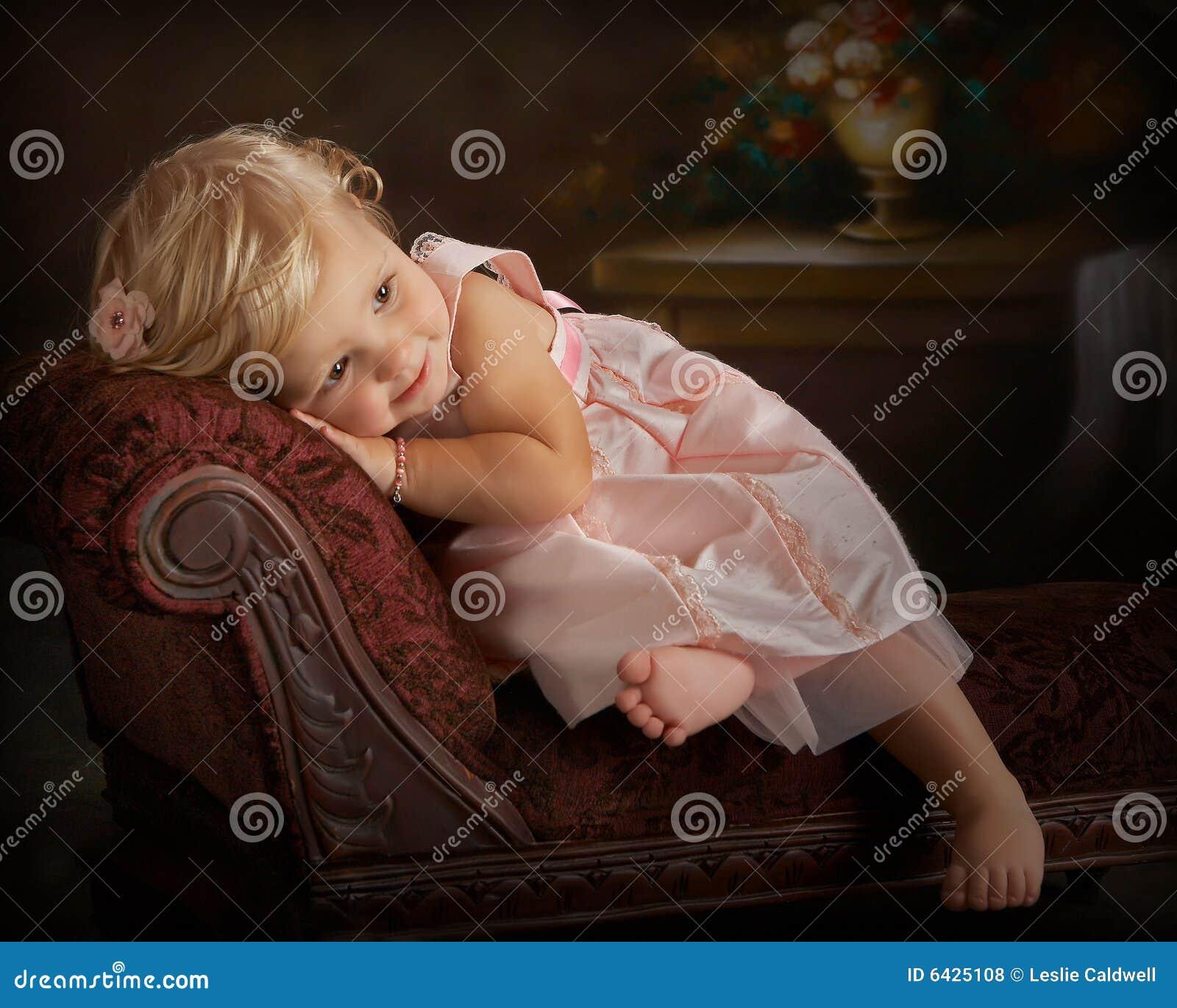 Flicka little vilande settee