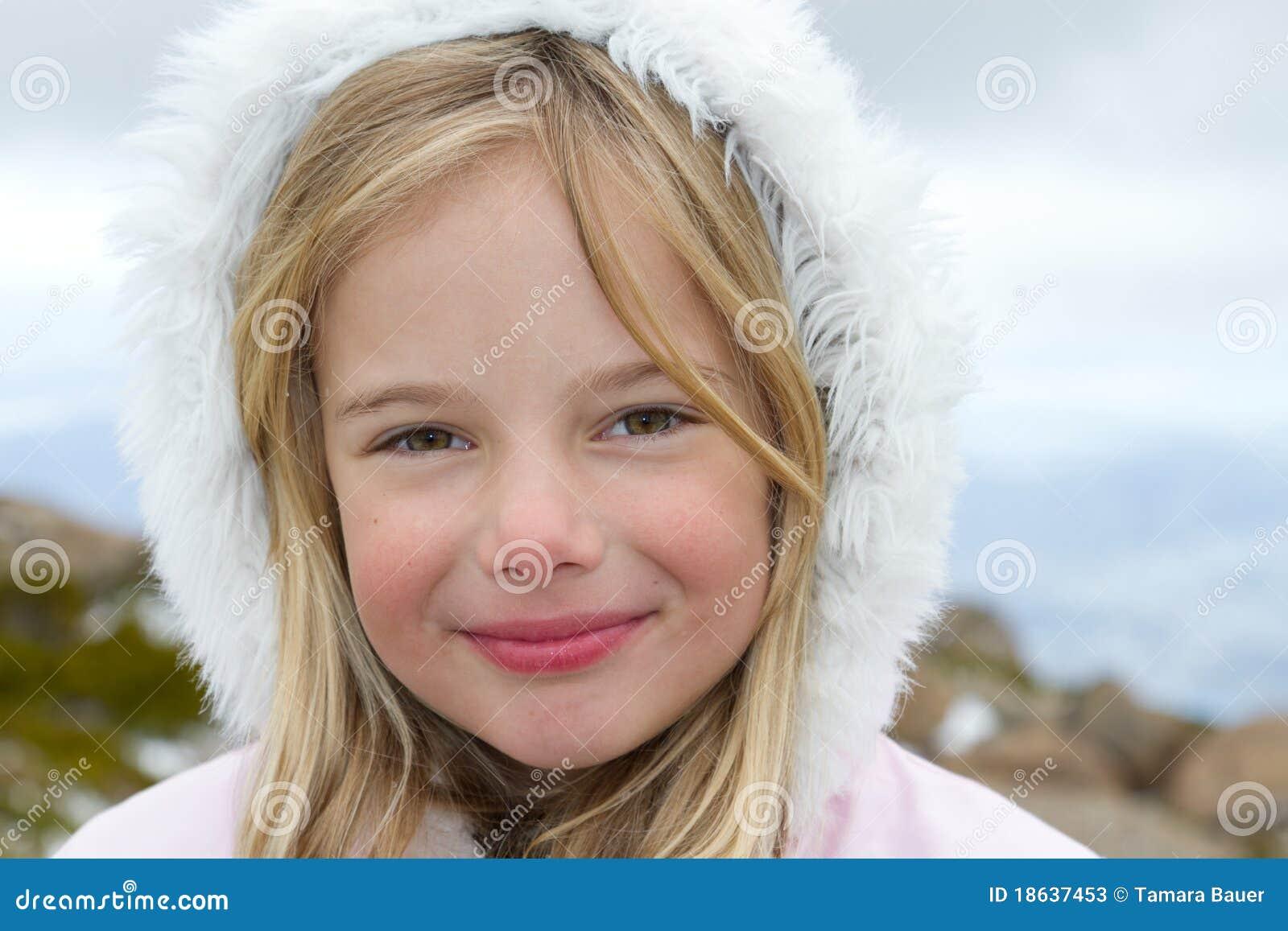 Flicka little vinter