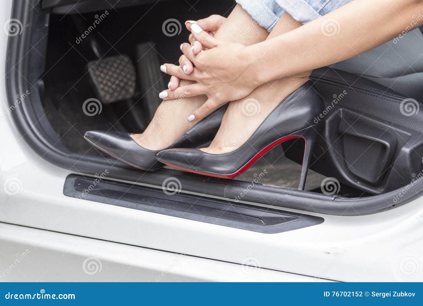 Flickafot i skor