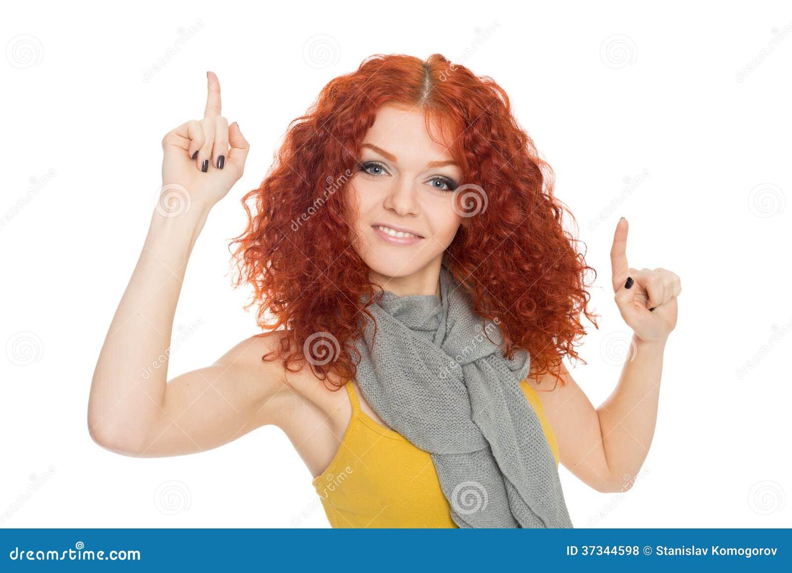 Flickan pekar upp fingrar
