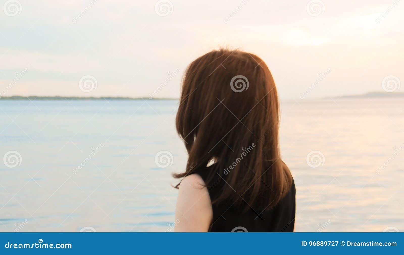 Flickan ser horisonten