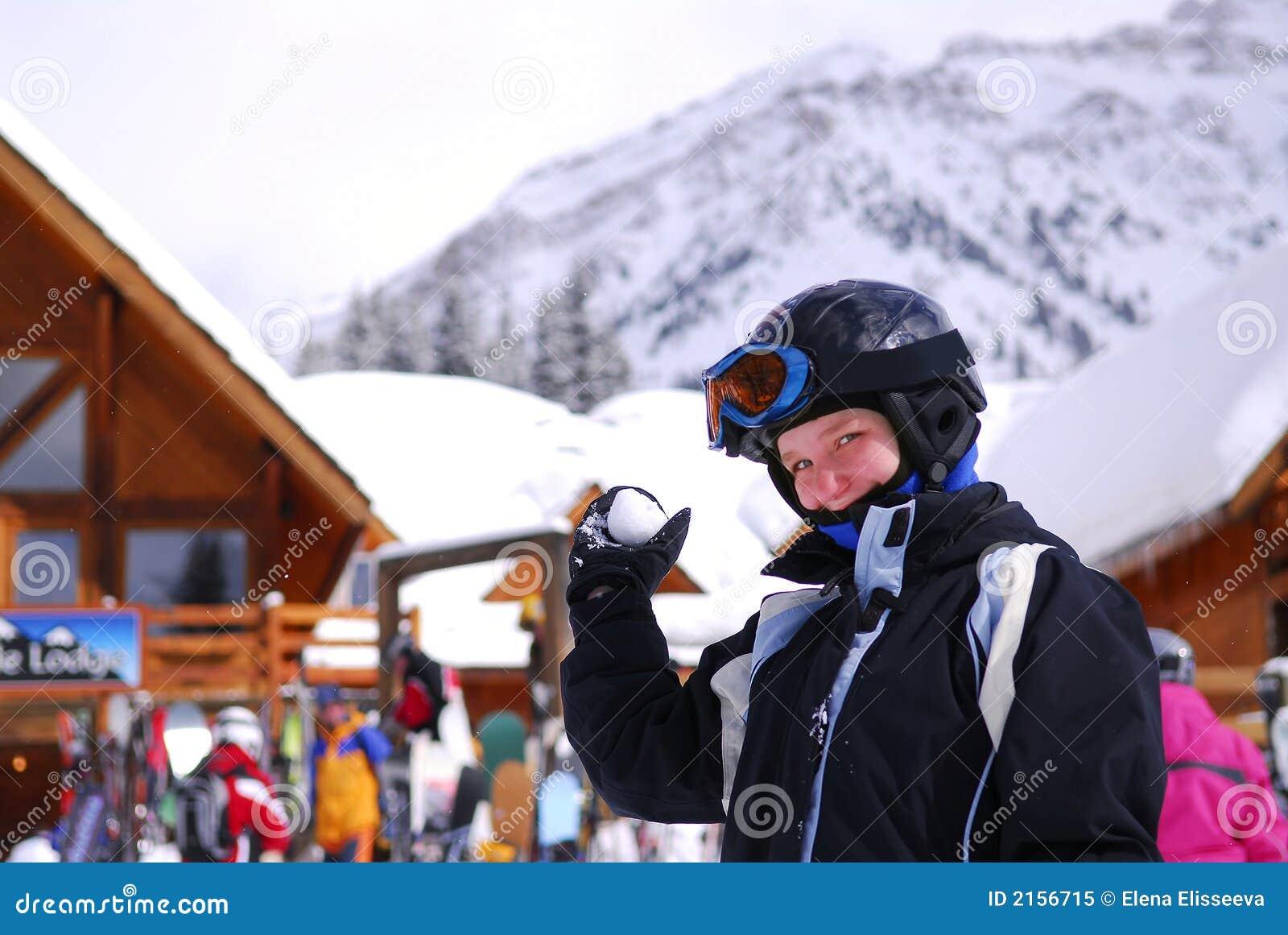 Flickasemesterorten skidar