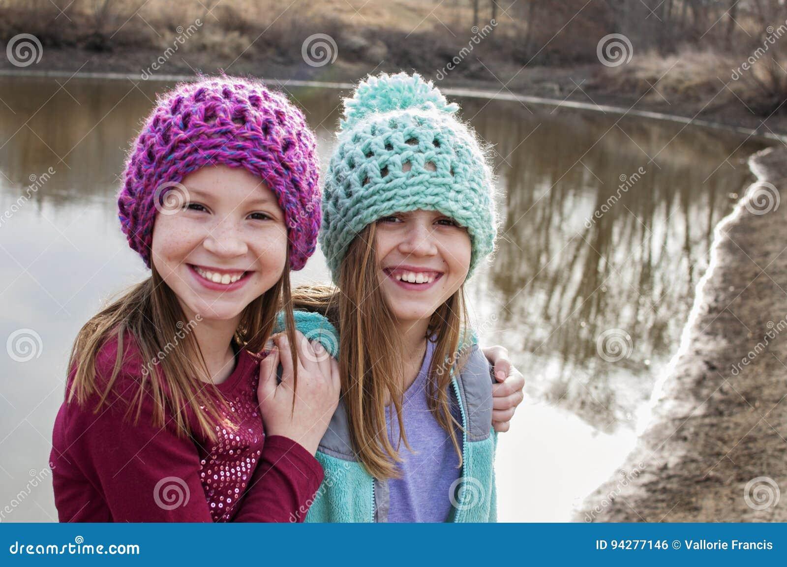 Flickor som bär blöjor