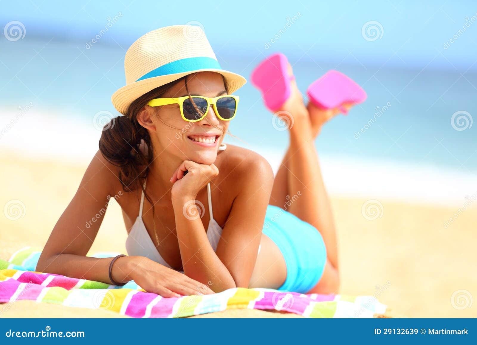 Flippiges glückliches der Strandfrau und bunt