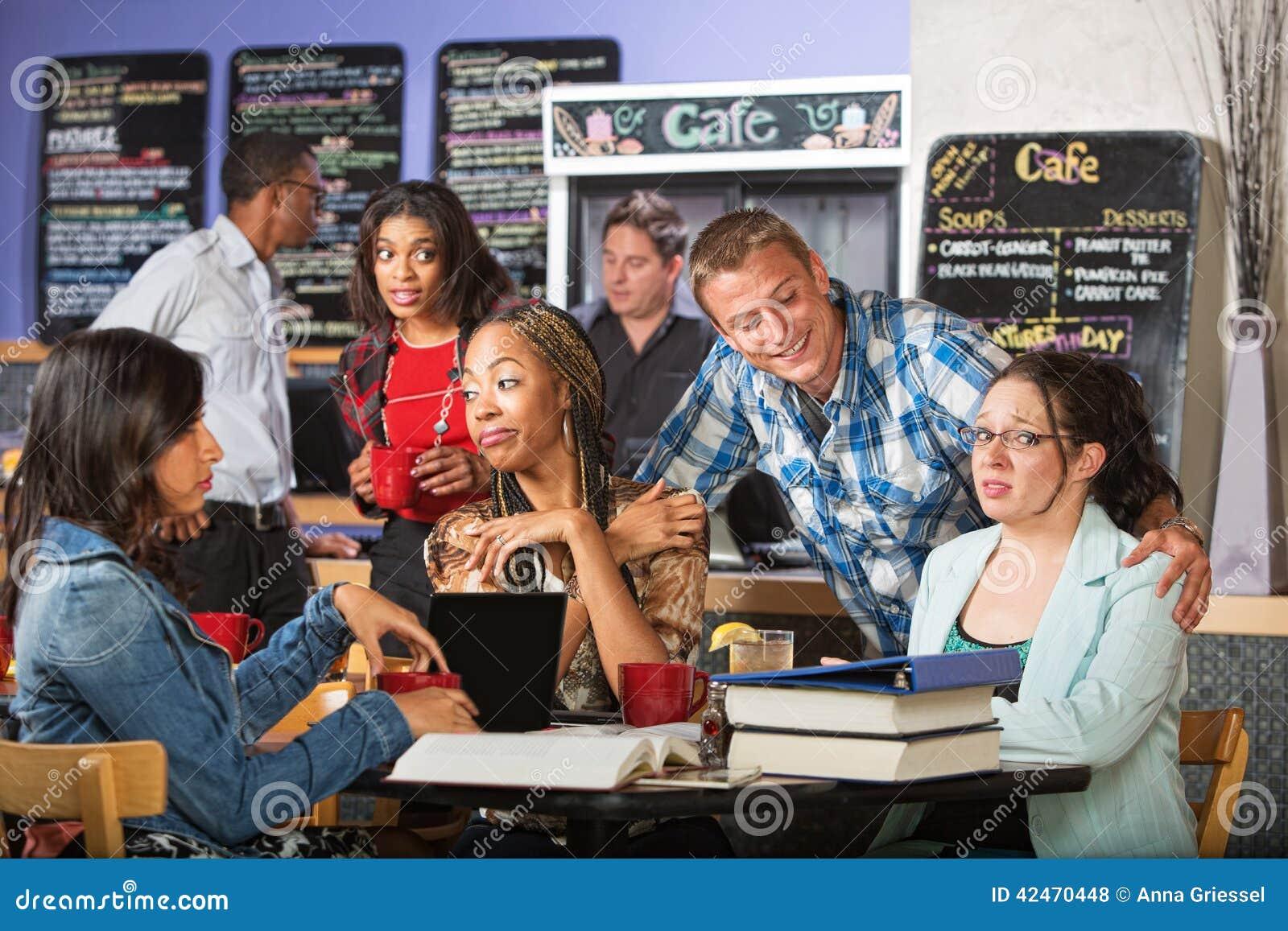 Flirt mit Studenten