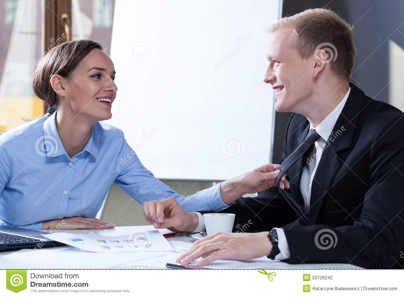 colleague flirting signs Flirty or friendly: how to tell if your coworker wants you or just wants to be women can flirt with you and give you signals even if they are not interested in.