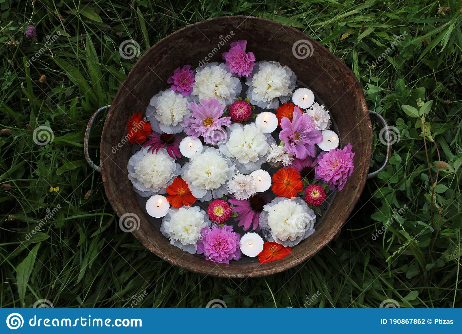 Floating Candles And Flowers In Old Zins Basin Summer Garden Party Outdoor Decor Ideas Stock Photo Image Of Beautiful Floating 190867862
