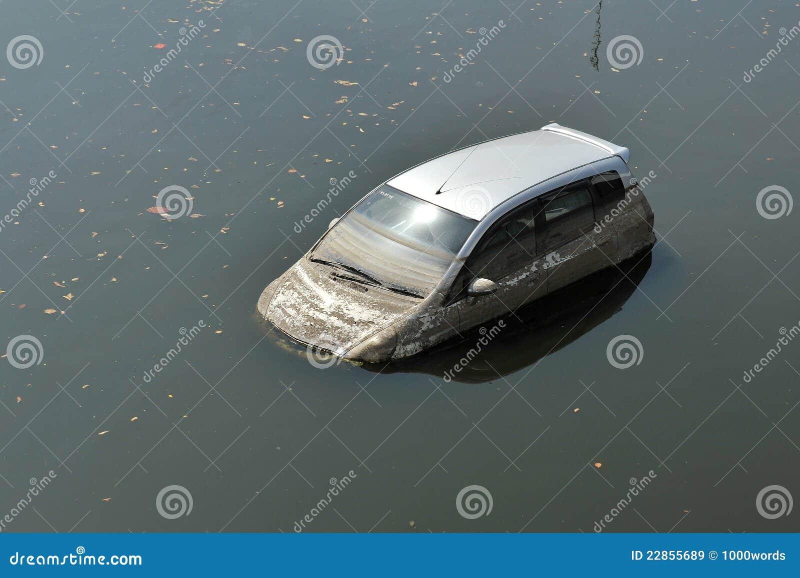 Crashed Car Editorial Image Cartoondealer Com 50605184