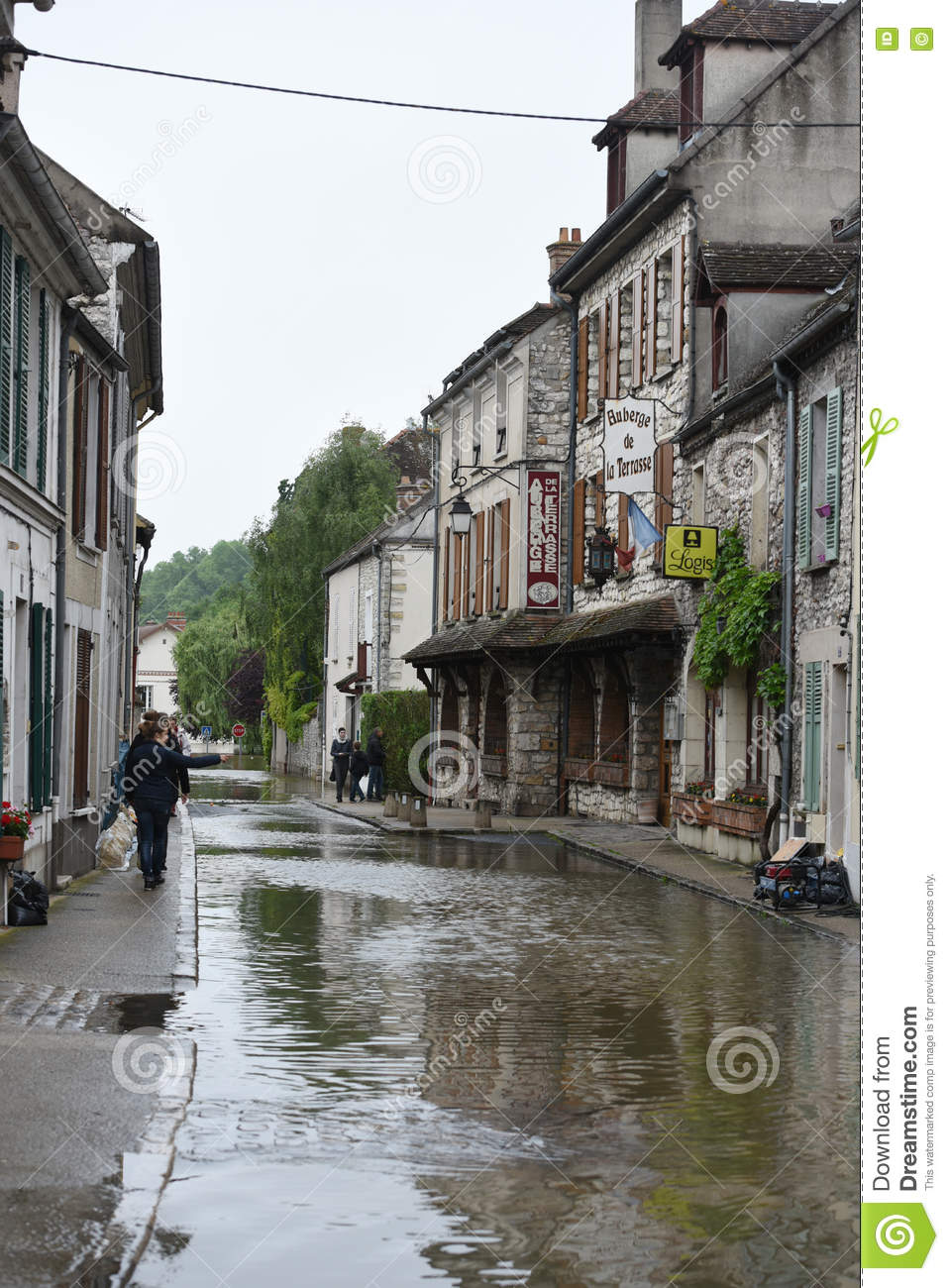 Floods On The Town Of Moret Sur Loing Editorial Image