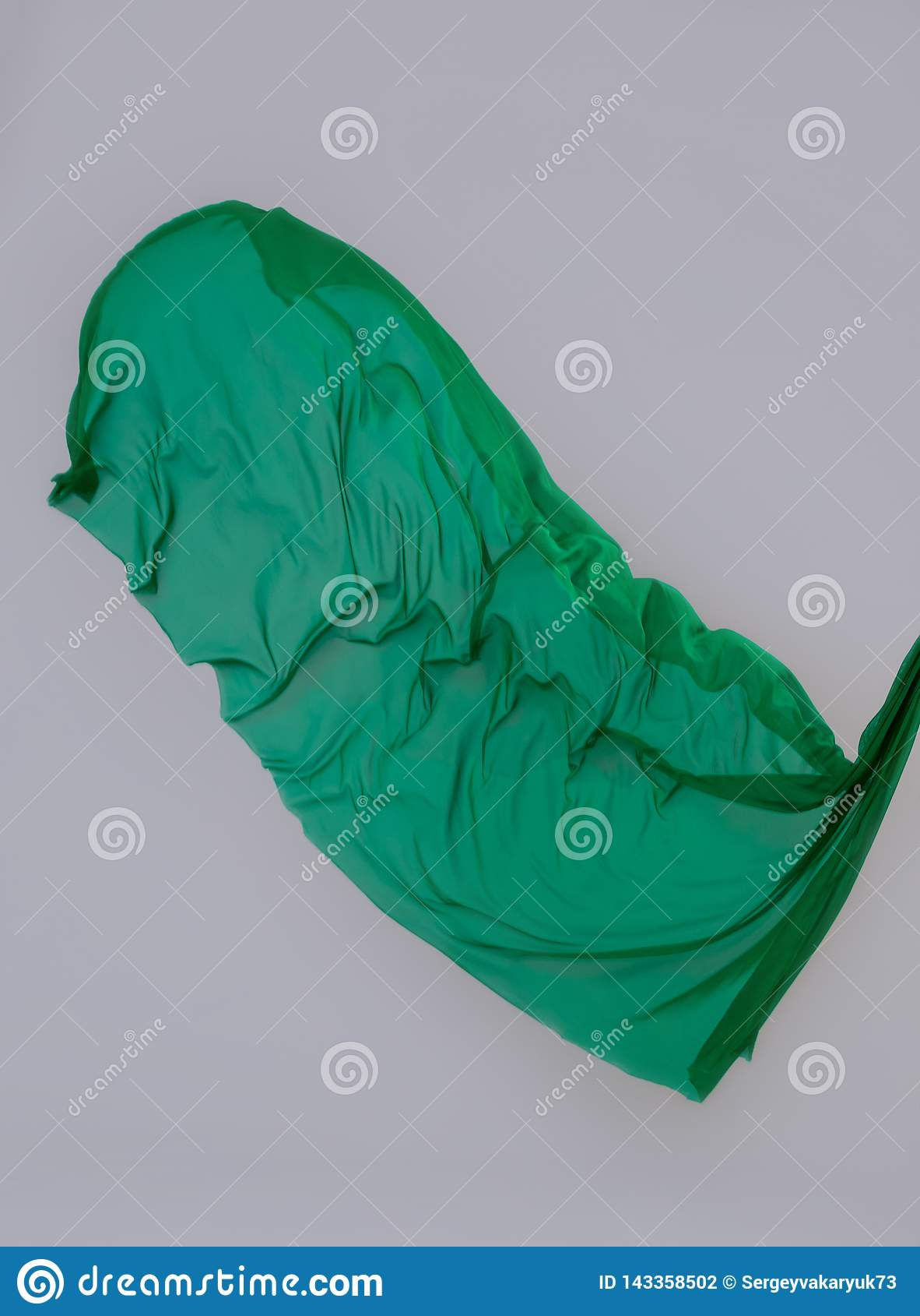 The floor is covered with green cloth.