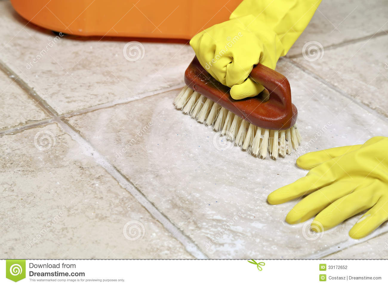 Floor scrubbing stock photography image 33172652 for Boden schrubben