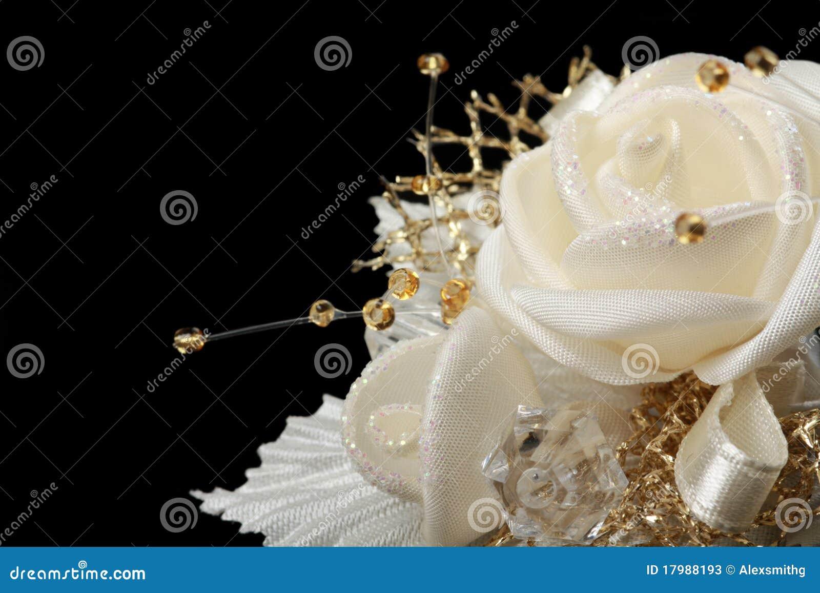 Flor de cetim da remoção de ervas daninhas