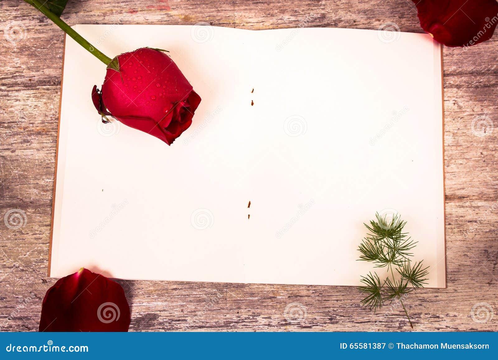 Flor de Rosa no livro de nota