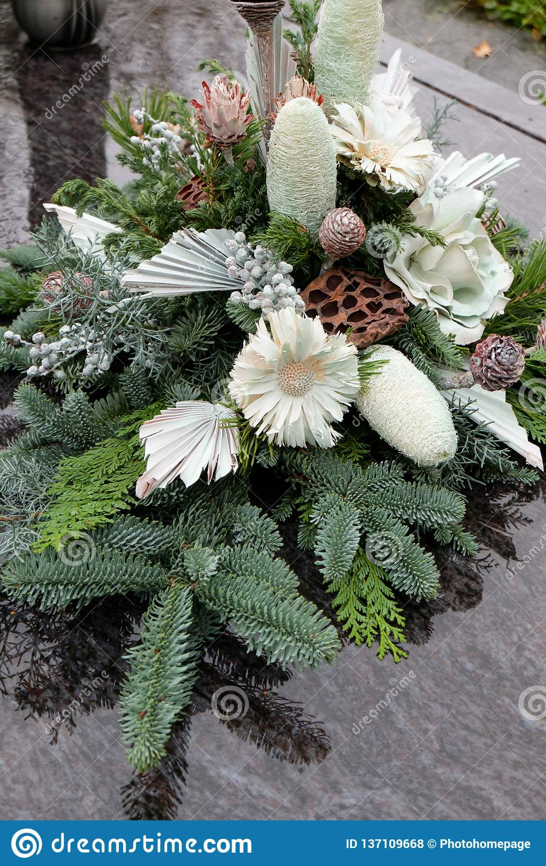 1 023 Floral Grave Decoration Photos Free Royalty Free Stock Photos From Dreamstime