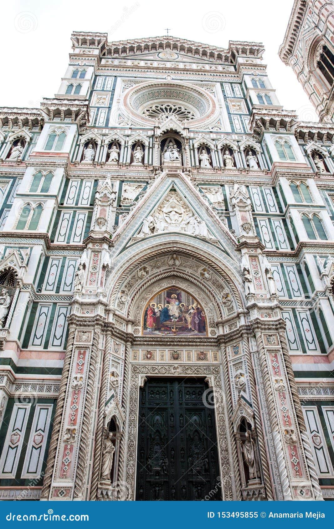Florence Cathedral consagrou em 1436